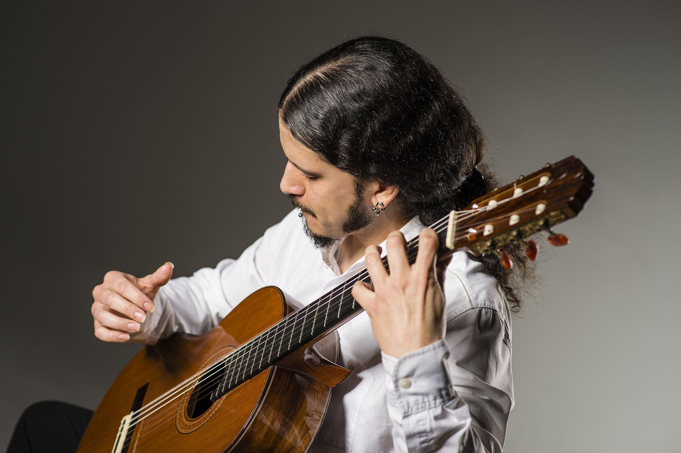 """HOMENAJES"" - Gitarrenkonzert mit Nicolás Silva Apiolaza - © Matthias Merz"