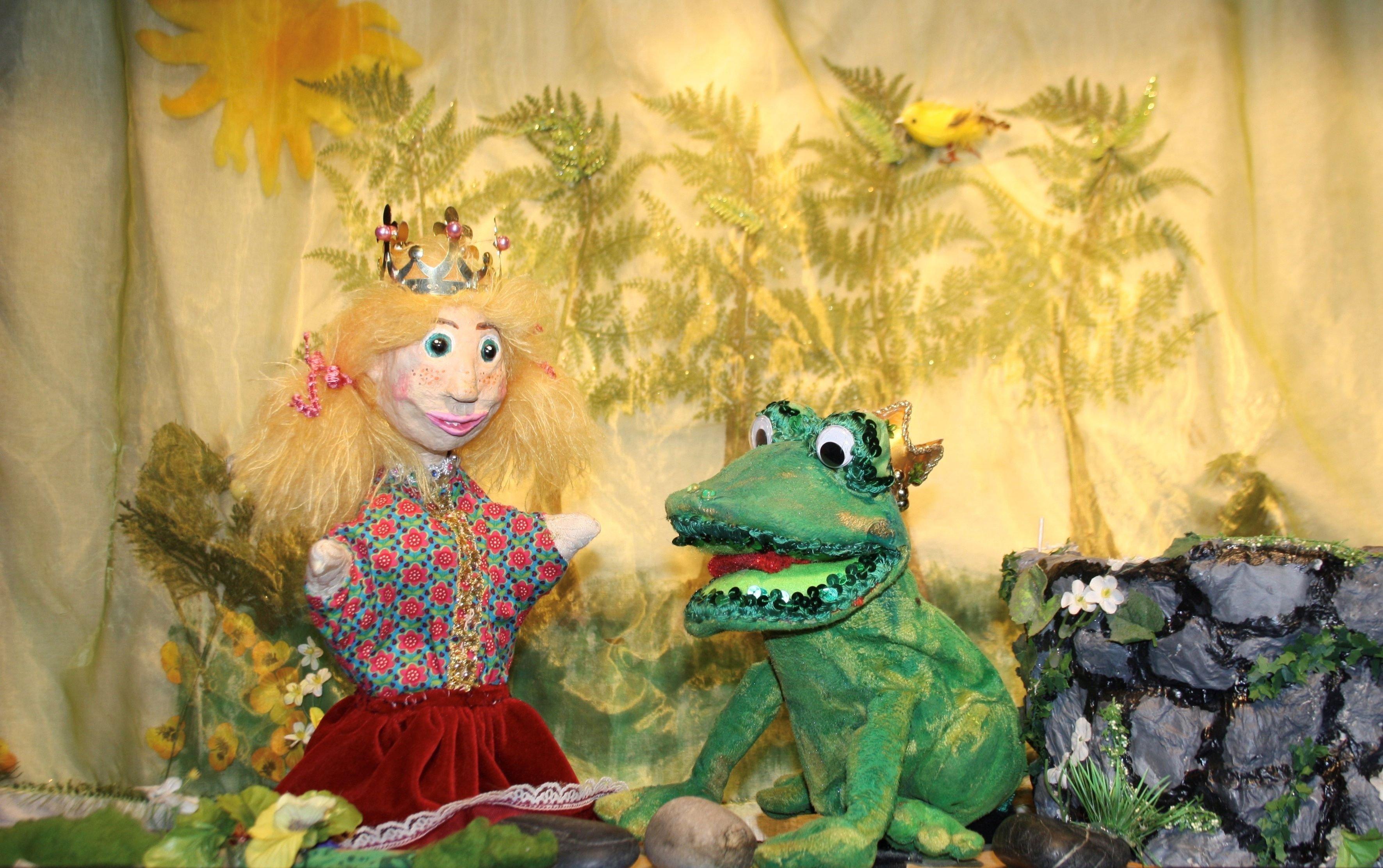 Kindertheaterreihe: Krowis Puppenbühne: Der Froschkönig - © Figurentheater Krowis