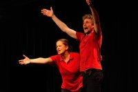Bild zu Kindertheaterreihe: Purzelbaum und Zauberstab - Improvisationstheater für Kinder
