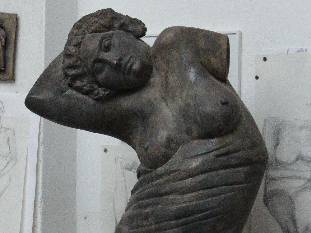 Wilhelm Uhlig und die Tradition figurativer Plastik in Nürnberg © Wilhelm Uhlig Bronzetorso Foto Kunstvilla