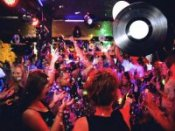 Nach Mitternacht: Grand Stereo Clash - Blaue Nacht Spezial