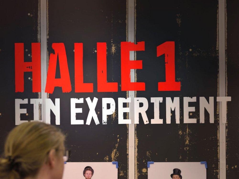Halle 1. Ein Experiment
