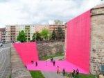 """(Inklusive) Künstlerführung """"Lost & Found - ein Kunst-Parcours im Burggraben"""""""