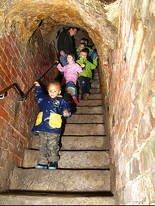 Die Historischen Felsengänge für Kinder - Schatzsuche - Erlebnisführung in den Felsengängen