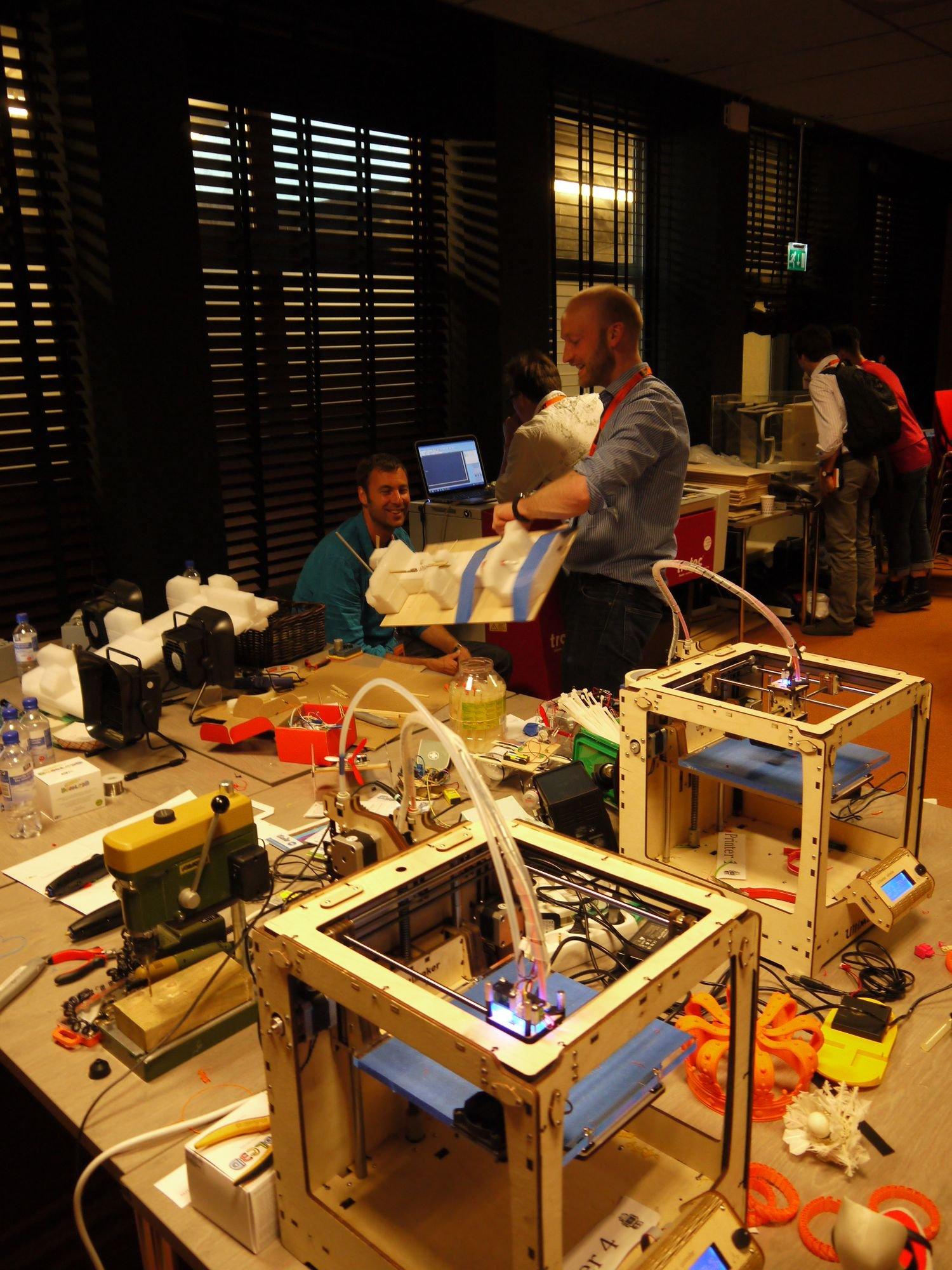 Kleine Meister: 3D-Druck und Laserschneiden im FabLab  © Jochen Hunger