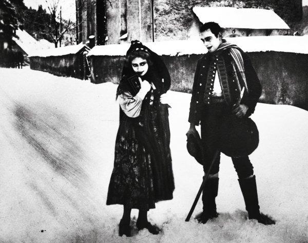 Romeo und Julia im Schnee - © Deutsche Kinemathek