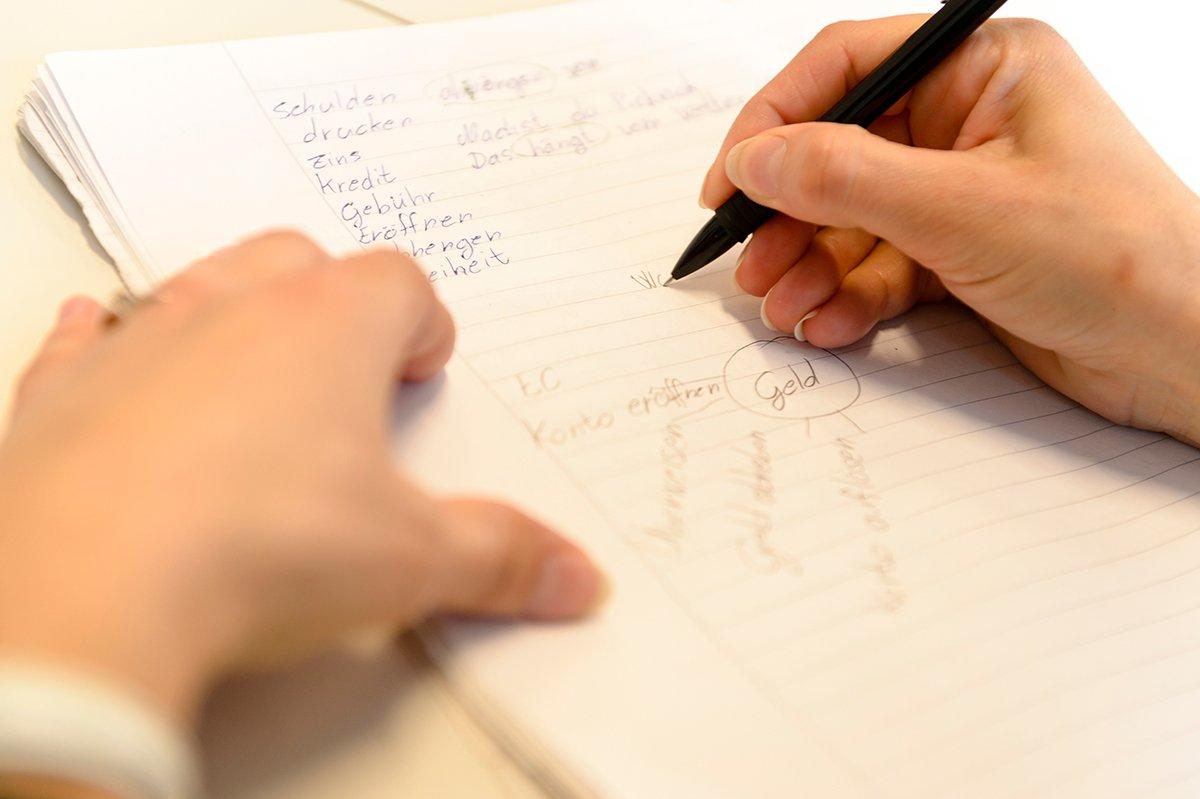 Write your application! / Bewerbung schreiben! - © Copyright Stadt Nürnberg / Foto Uwe Niklas