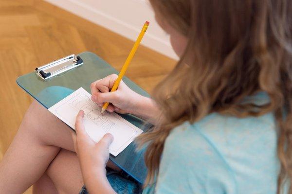 KinderKunstwerkstatt - Geschnitten & geklebt. Fantasievolle Collagen - © Kunstvilla, Foto: Annette Kradisch