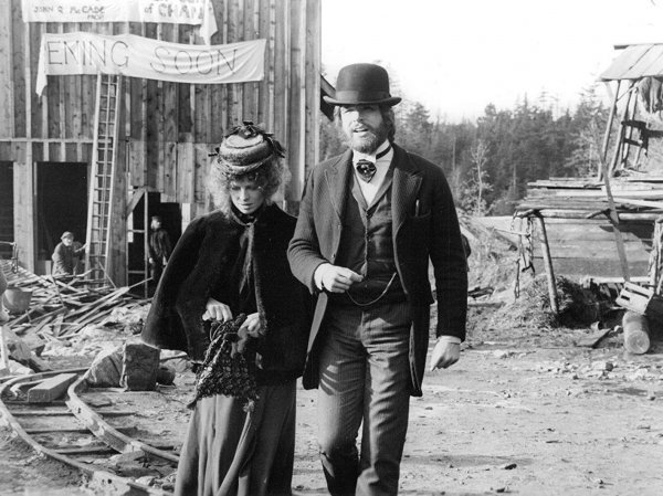 McCabe & Mrs. Miller - © Warner Bros