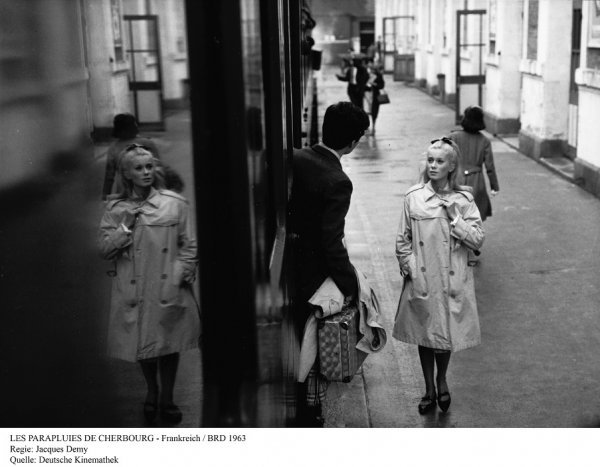 Die Regenschirme von Cherbourg - © Deutsche Kinemathek